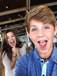 MattyBRaps❤️❤️❤️❤️ that girl in the back is so luck but I got to see dez from Austin ally love dez dez is so cute