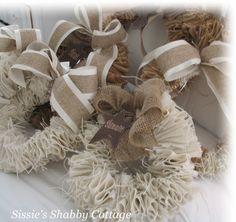Sissie's Shabby Cottage: Burlap Wreaths
