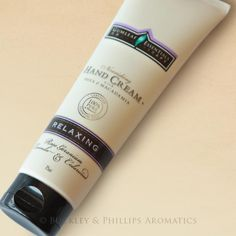 Gumleaf Essentials RELAXING Hand Cream is a convenient travel-sized moisturiser made with completely natural ingredients including shea butter, macadamia and meadowfoam seed oil.