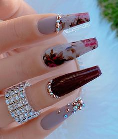 This water decals are beautiful wag - Women Trends Cute Acrylic Nail Designs, Best Acrylic Nails, Summer Acrylic Nails, Nail Art Designs, Aycrlic Nails, Glam Nails, Sugar Nails, Fire Nails, Stylish Nails
