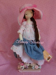 Valesita Muñecas.....(this doll is so beautiful...and I love the over-sized hat, too!).....
