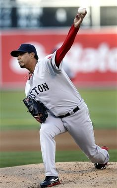 Boston Red Sox starting pitcher Felix Doubront (61)works against the Oakland Athletics in the first inning of a baseball game Saturday,  Sept. 1, 2012 in Oakland, Calif. (AP Photo/ Tony Avelar)