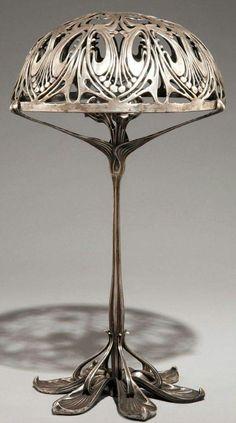 Art Nouveau  Lampe   Bronze Argenté et Patiné  Paul Follot