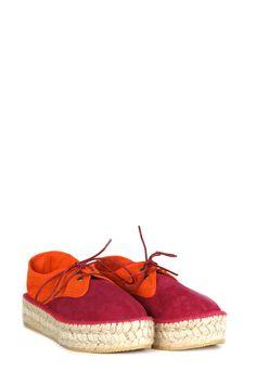 Zapato de yute y suela de caucho con cordones bicolor