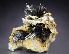 STIBNITE, SIDERITE Minerals And Gemstones, Crystals Minerals, Rocks And Minerals, Cool Rocks, Beautiful Rocks, Gem Stones, Stones And Crystals, Crystal Magic, Mineral Stone