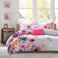 Pretty Colorful Vogue Bedding Design Plus Pillow In Beautiful Girl Bedroom Idea As Well White Furry Rug Under The Bed And Wooden Desk Beside Frame On The Wall Vogue Bedding with Colorful Ideas for Teenage Girl Rooms Bedroom design http://seekayem.com
