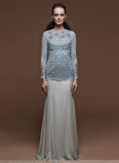 Amelia by Nuritha Harith Raya Luxury 2014 collection. Looks like the coarseness of something similar to Venetian Lace can be soften with this look. Traditional Fashion, Traditional Outfits, Ethnic Fashion, Hijab Fashion, Women's Fashion, Baju Kurung Lace, Beautiful Dresses, Nice Dresses, Dream Dress