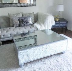 DIY mirrored coffee table for less than $200 | Diamantes & Tacones