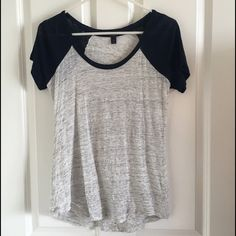J. Crew Gray & Navy Baseball Linen Tee XS Great pre-owned condition. Worn a couple times, hand-washed & air dried. Light heathered gray with navy blue sleeves. Scoop neck. Casual, cute, & comfy. J. Crew Tops Tees - Short Sleeve