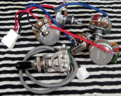 f4d276e2d224534308ee69a03408cf37 epiphone les paul pots new gibson epiphone les paul wiring harness pots switches lkjb23 les paul wiring harness ebay at creativeand.co