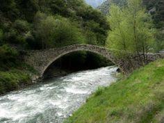 Puente medieval de Andorra