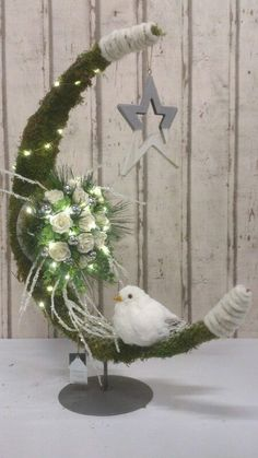1 million+ Stunning Free Images to Use Anywhere Silver Christmas Decorations, Christmas Flowers, Christmas Centerpieces, Christmas Love, Christmas 2017, Rustic Christmas, Holiday Ornaments, All Things Christmas, Christmas Holidays