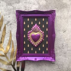 Handmade wall decoration  #home #wallart  Cool Diy Projects, Art Projects, Teen Decor, Paper Crafts, Diy Crafts, Mexican Art, Sacred Heart, Diy Flowers, Wall Colors