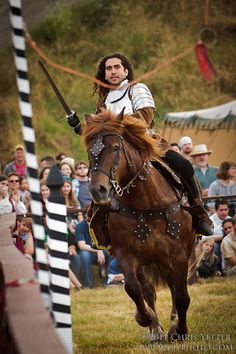 Beautiful Medieval Horse And Rider Costume Caballos