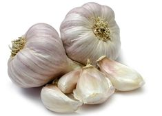 Garlic Syrup Recipe for Chest Infections. Garlic is known as a powerful remedy and has been used in many herbal medicines. Natural Headache Remedies, Natural Cures, Herbal Remedies, Diabetic Desserts, Diabetic Recipes, Coconut Oil Cookies, Food Alert, Garlic Health Benefits, Survival Blog