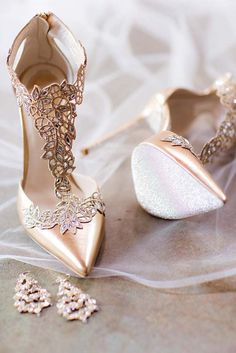60 Cute Homecoming Shoes to Look Pretty. Shoes High HeelsShoes SandalsGold  ShoesClarks SandalsStiletto ... e3cffdcdcd8f