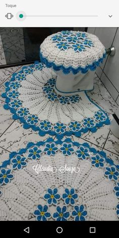 Best 12 Absolutely stunning round carpet in), doily rug, mint color carpet Shabby chic, rug for the livi Diy Crafts Knitting, Crochet Crafts, Crochet Projects, Doily Rug, Crochet Doilies, Crochet Stitches, Crochet Flower Patterns, Crochet Flowers, Crochet Home