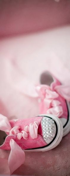 Pink ❤ My grand daughters will each have a pair!