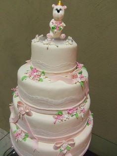 Venda de Bolo Fake Ursinha Princesa em biscuit de 4 andares,acompanha topo de bolo ursinha.