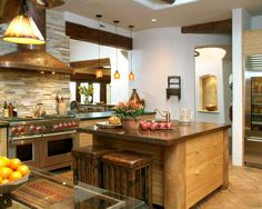 Küche design toskana look kochinsel massivholz naturstein