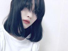 いいね!101件、コメント5件 ― @mayuchiroruuuのInstagramアカウント: 「. 前髪が随分伸びました。 そしてそしてやっとカラーチェンジ 今回はグレーアッシュ ポイントカラーもいい感じ。 暗髪復活でございます stylist @m1_0i3o  #グレーアッシュ…」