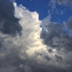 heval ailé  De la pensée- Rêveries  #clouds #nuages #ciel #sky #blue #grey #orage #springsky #haiku #poem #poesia #spirituality #instagram