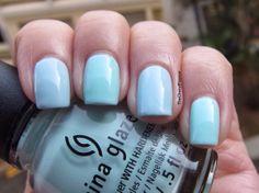 China Glaze At Vase Value: Middle Finger, Pinky Essie Borrowed & Blue: Index Finger, Ring Finger