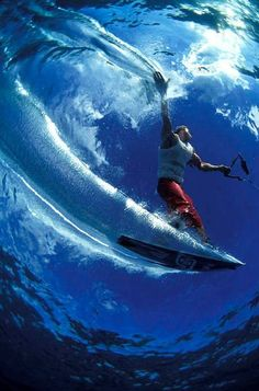 Under the #waves ! #kitesurf #kiteboarding | Learn kitesurfing with Addict www.addictkitesch... |