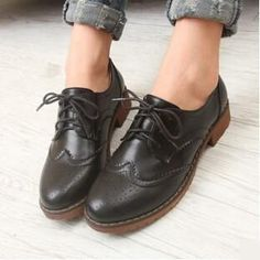 PLUS Size 34 43 Brogue Oxford Shoes Women Flats New Spring 2016 Fashion Women Shoes sapatos femininos sapatilhas zapatos mujer-in Women's Flats from… Womens Brogues Oxfords, Womens Shoes Wedges, Womens High Heels, Womens Flats, Black Oxfords, Oxford Shoes Outfit, Women Oxford Shoes, Shoes Women, Oxford Style