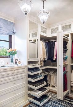 35 Best Walk in Closet Ideas and Picture Your Master Bedroom Closet Organization Ideas You'll Want to Steal Immediately California Closets, Organizar Closet, Closet Vanity, Closet Remodel, Master Bedroom Closet, Master Closet Design, Bedroom Closets, Walk In Closet Design, Master Room
