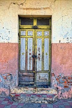 Old house in Granada City Nicaragua // Mara Kubinek
