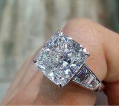 Amazing ring shown at JCK Las Vegas from Rahaminov Diamonds.