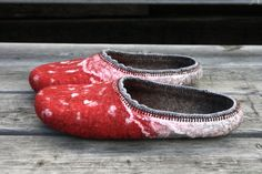 Mushrooms Inspired by nature Felted wool slippers in red made by Onstail