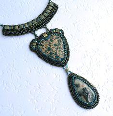 Seed Bead Jewelry, Boho Jewelry, Jewelry Art, Beaded Jewelry, Jewelry Necklaces, Beaded Necklace, Seed Beads, Bead Embroidery Jewelry, Beaded Embroidery