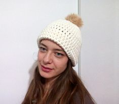 crochet winter hat , great gifts for her, hot fashion crochet accessories, bulky winter hat, for women and teenagers, fashion hat pom pom #etsy #etsyshop #crochetwinterhat