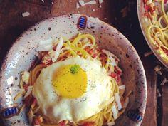 Receita Dedo de Moça: Spaghetti com peccorino, bacon e ovos