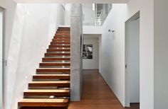 Photographer Oded Smadar of Studio Smadar captures the work of some top architects from his country. These include some memorable & beautiful modern villas. Escalier Design, Closer To Nature, Staircase Design, Modern Decor, Architecture Design, Living Spaces, Sweet Home, Stairs, House Design