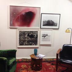 Foto spesialauksjon avsluttes ikveld, 08.09 fra kl. 20 på blomqvist.no/nettauksjon 📷  #permaning #tomsandberg #denispiel #margaretabergman  #fotokunst #fotografi #fotoauksjon #photography #art #kunst #norway #interiør #inspirasjon #blomqvist #blomqvist_nettauksjon #blomqvist_auksjoner #instadaily #picoftheday Norway, Gallery Wall, In This Moment, Frame, Instagram Posts, Photography, Home Decor, Art, Games