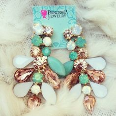 Gorgeous gold dangly earrings