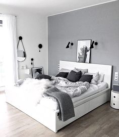 25 black and white bedroom interior design trends for 2019 - bedroom furniture ideas Simple Bedroom Decor, Room Ideas Bedroom, Bedroom Colors, Home Bedroom, Grey Room Decor, White Decor, Bedroom Inspo, Long Bedroom Ideas, Simple Bedrooms