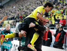 Deutscher Meister 2012 - Borussia Dortmund - Shinji Kagawa feiert mit Jürgen Klopp seinen Treffer zum 2:0! Genial. Heja BVB