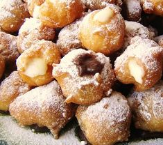Fritelle with Nutella and Crema Italian Cookie Recipes, Italian Cookies, Italian Desserts, Italian Pastries, Biscotti Cookies, Recipe 21, Cookie Desserts, Desert Recipes, Food To Make