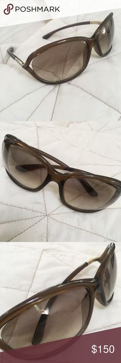 Tom Ford Women's 'TF008 Jennifer 38F' Sunglasses Gently used. No case. Super cute! Color options: Transparent brown gradient Style: Fashion Model: TF 8 Jennifer Frame: Plastic Lens: Brown gradient Protection: UV Protected Includes: Sunglasses, case, cloth and paperwork Country of origin: Italy Dimensions: Lens 61 mm x bridge 16 mm x arms 120 mm Tom Ford Accessories Sunglasses