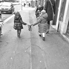 Twins #milano #monochrome #blackandwhite #noiretblanc #biancoenero #blancoynegro #street #urban #streetphotography #urbanphotography