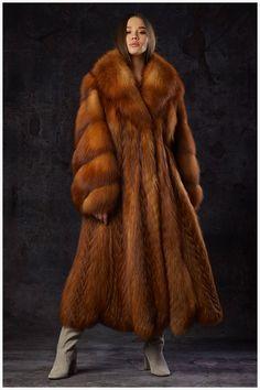 a sensual seduction Steampunk Clothing, Steampunk Fashion, Gothic Fashion, Emo Fashion, Gothic Corset, Gothic Steampunk, Victorian Gothic, Gothic Lolita, Fox Fur Coat