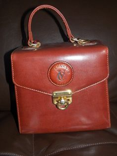 Vintage Verucci Italy box purse. As good as the smell of leather