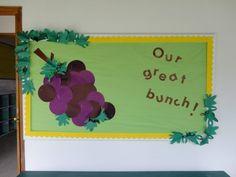 Pizarra de bienvenida a los chicos de PKC 2012-2013. Después hicimos hormigas con los nombres de los niños para terminar.
