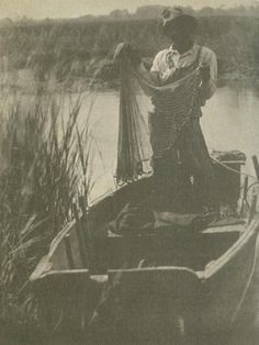 "In 1933, Doris Ulmann contributed photographs to ""Roll, Jordan, Roll,"" a book by novelist Julia Peterkin about the vanishing black culture, known as Gullah, of the South Carolina islands and coastal areas. Links to the amazing photos and captions from the book."