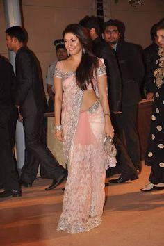Tollywood Actress-Manjari Phadnis Pink Saree Photos