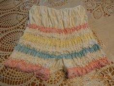 Vintage Sexy Ruffled Pettipants Small by lilmountaintreasures